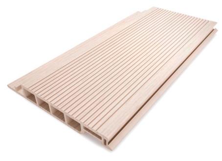 Deck de PVC